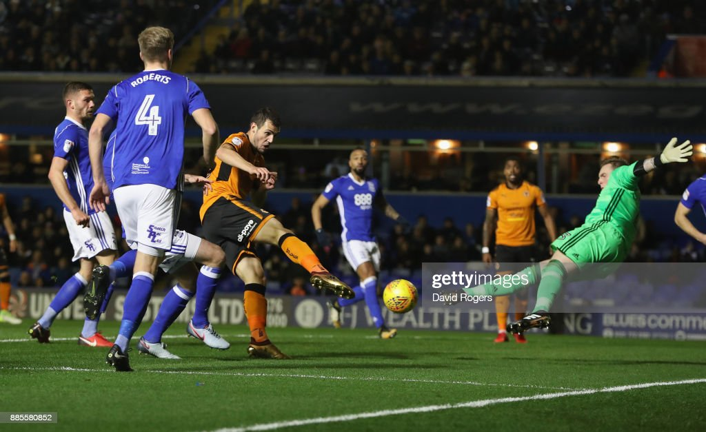 Leo Bonatini of Wolverhampton Wanderers scores their first goal during the Sky Bet Championship match between Birmingham City and Wolverhampton Wanderers at St Andrews on December 4, 2017 in Birmingham, England.