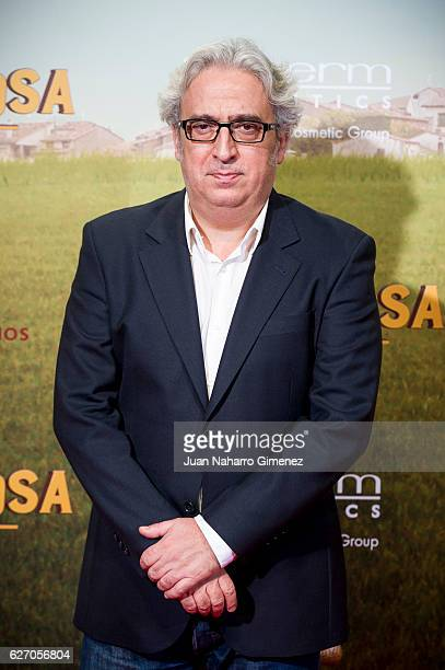 Leo Harlem attends 'Villaviciosa De Al Lado' premiere at Capitol Cinema on December 1 2016 in Madrid Spain