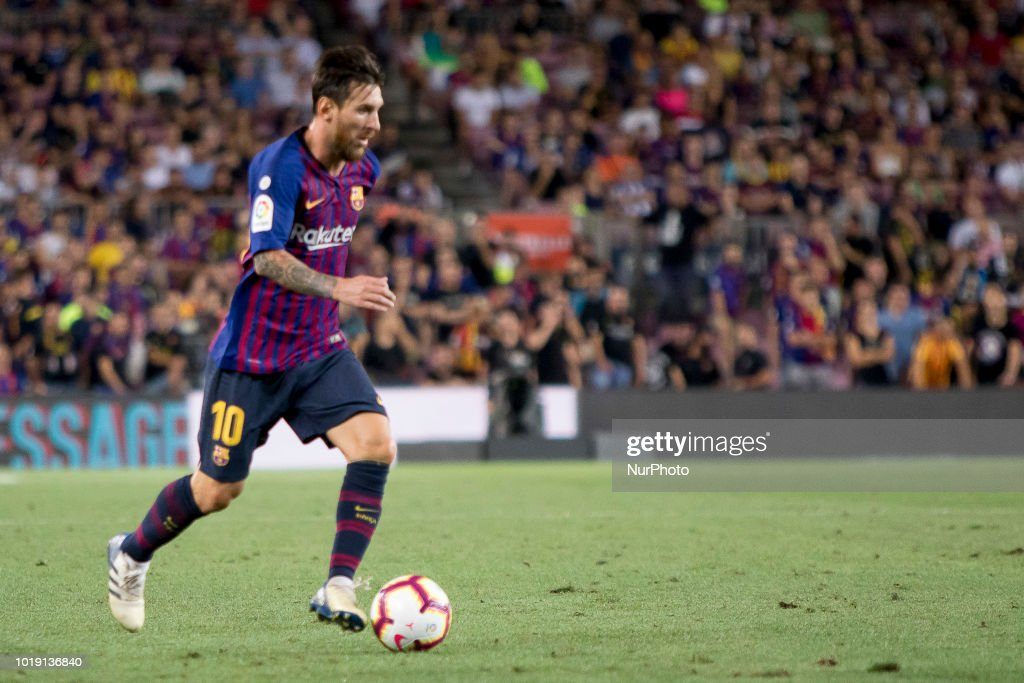 FC Barcelona v Deportivo Alaves - La Liga : News Photo