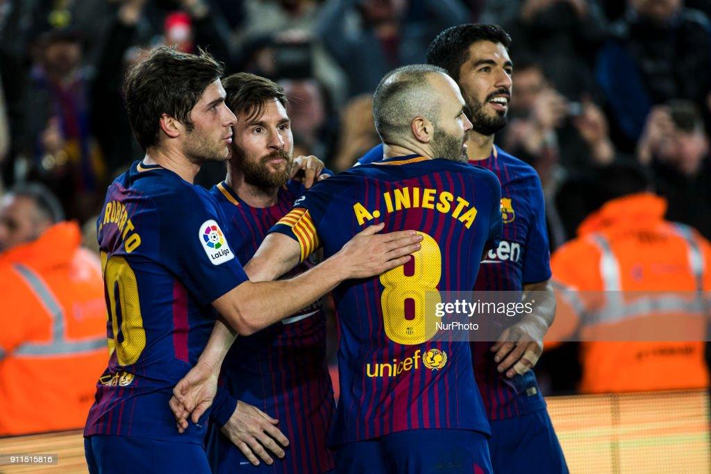 Barcelona v Deportivo Alaves - La Liga : ニュース写真