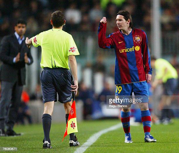 Leo Messi of Barcelona gestures to the assistent referee during the La Liga match between FC Barcelona and Recreativo de Huelva played at the Camp...