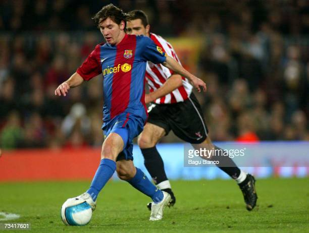 Leo Messi of Barcelona goes for the ball during the match between FC Barcelona and Athletic Club de Bilbao of La Liga at the Camp Nou stadium...