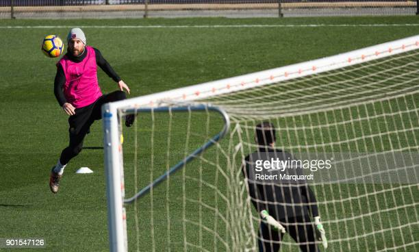 Leo Messi seen training during an open public session held at the Barcelona Ministadium on January 5 2018 in Barcelona Spain