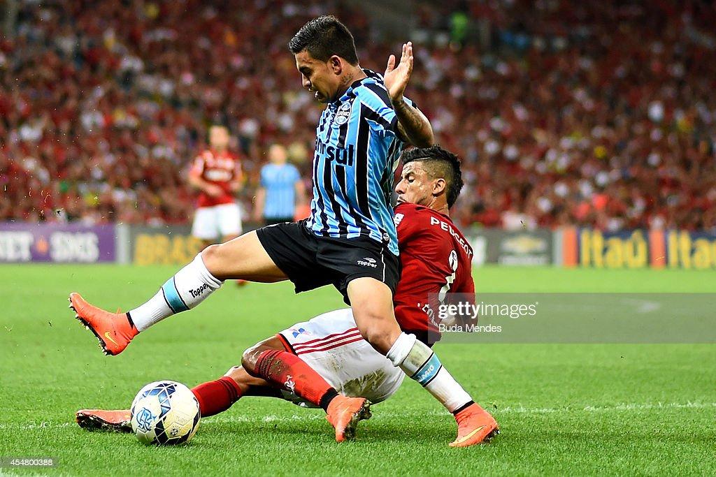 Flamengo v Gremio - Brasileirao Series A 2014 : News Photo