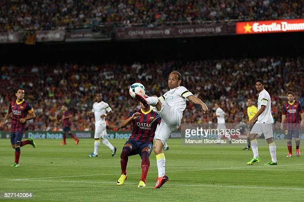 Leo of Santos FC controls the ball during the Joan Gamper Trophy friendly match between FC Barcelona and Santos FC at the Camp Nou stadium in...