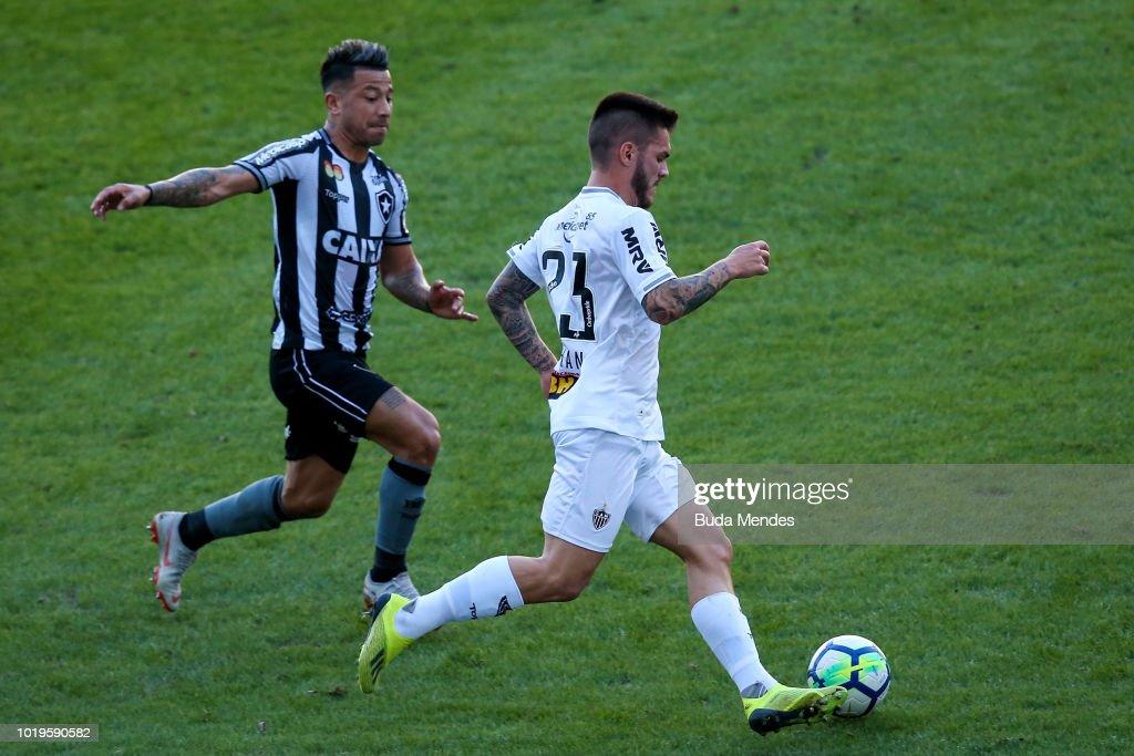 Botafogo v Atletico MG - Brasileirao Series A 2018 : News Photo