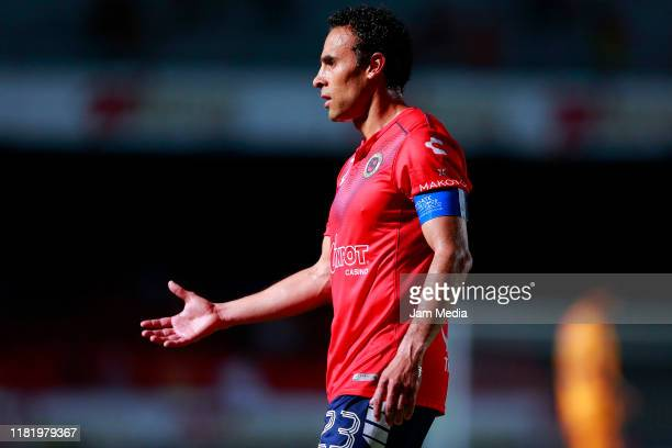 Leobardo Lopez of Veracruz reacts during the 14th round match between Veracruz and Tigres UANL as part of the Torneo Apertura 2019 Liga MX at Luis...