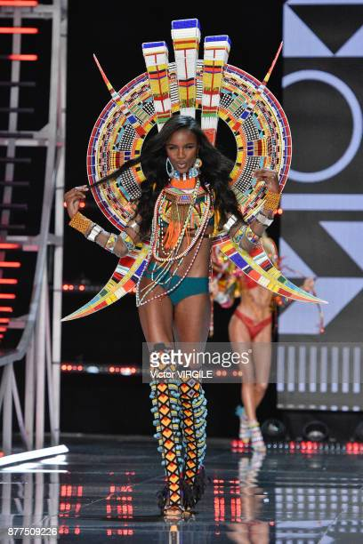 Leomie Anderson walks the runway at the 2017 Victoria's Secret Fashion Show In Shanghai - Show at Mercedes-Benz Arena on November 20, 2017 in...