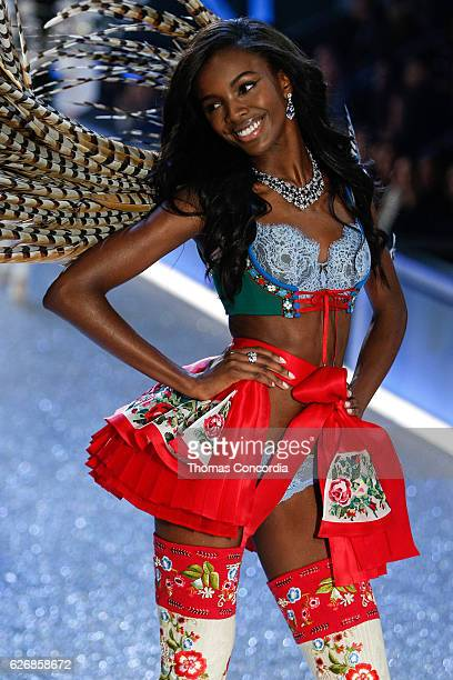 Leomie Anderson walks the runway during the 2016 Victoria's Secret Fashion Show at the Grand Palais in Paris on November 30 2016 in Paris France