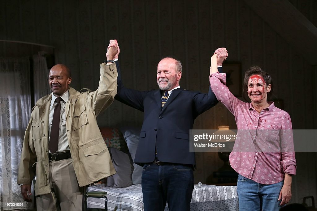 'Misery' Broadway Opening Night - Arrivals And Curtain Call : News Photo