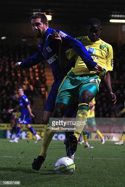 Leon Barnett of Norwich City battes with Jon Parkin of Cardiff City during the npower Championship match between Norwich City and Cardiff City at...