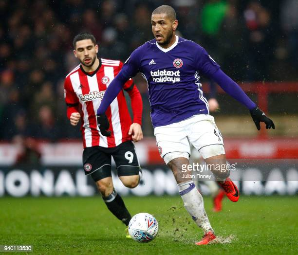 Leon Clarke of Sheffield United in action during the Sky Bet Championship match between Brentford and Sheffield United at Griffin Park on March 30...