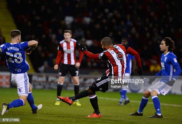 Leon Clarke of Sheffield United scores during the Sky Bet Championship match between Sheffield United and Birmingham City at Bramall Lane on November...