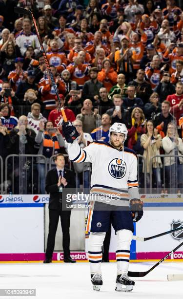 Leon Draisaitl of Edmonton celebrates after the NHL Global Series Challenge game between Edmonton Oilers and Kolner Haie at Lanxess Arena on October...