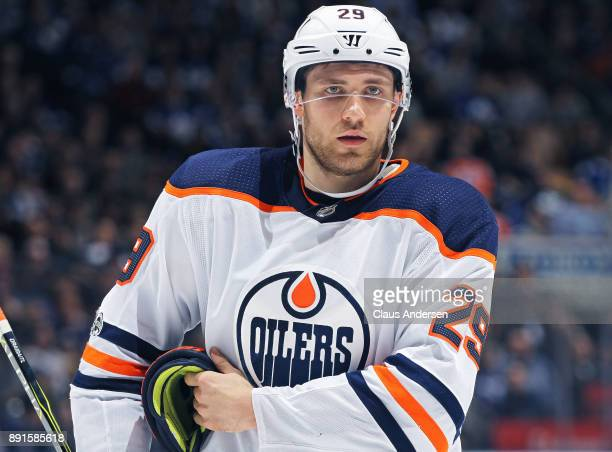 Leon Draisaitl of the Edmonton Oilers gets set for a faceoff against the Toronto Maple Leafs during an NHL game at the Air Canada Centre on December...