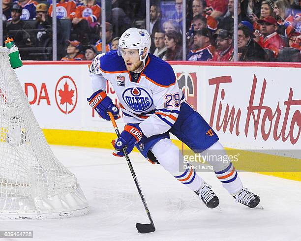Leon Draisaitl of the Edmonton Oilers in action against the Calgary Flames during an NHL game at Scotiabank Saddledome on January 21 2017 in Calgary...