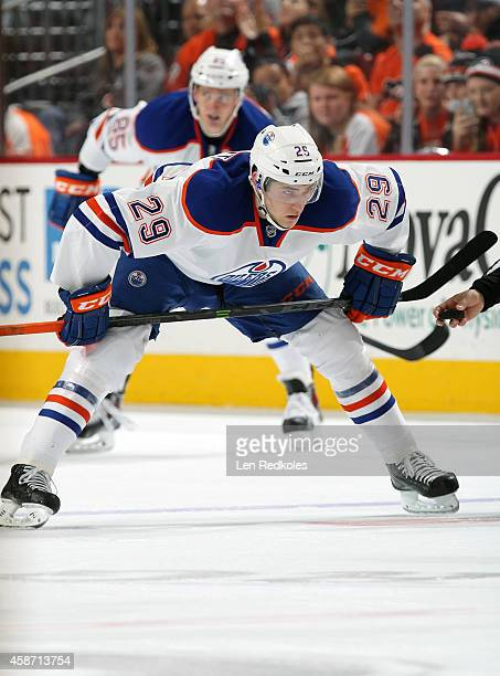 Leon Draisaitl of the Edmonton Oilers prepares for a faceoff against the Philadelphia Flyers on November 4 2014 at the Wells Fargo Center in...