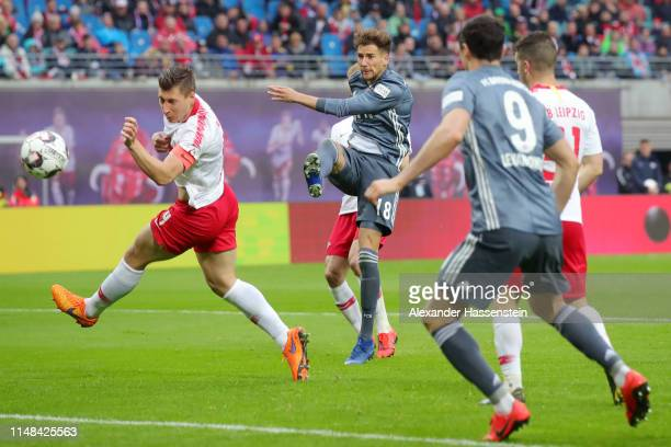 Leon Goretzka of Bayern Munich scores his team's first goal which is then disallowed by a VAR decision during the Bundesliga match between RB Leipzig...