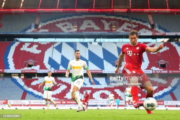Leon Goretzka of Bayern Munich scores his team's second goal during the Bundesliga match between FC Bayern Muenchen and Borussia Moenchengladbach at...