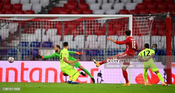Leon Goretzka of FC Bayern Munich scores his sides second goal during the UEFA Champions League Group A stage match between FC Bayern Muenchen and...