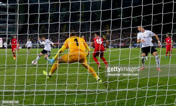 Leon Goretzka of Germany scores the 4th during the FIFA 2018 World Cup Qualifier between Germany and Azerbaijan at FritzWalterStadion on October 8...