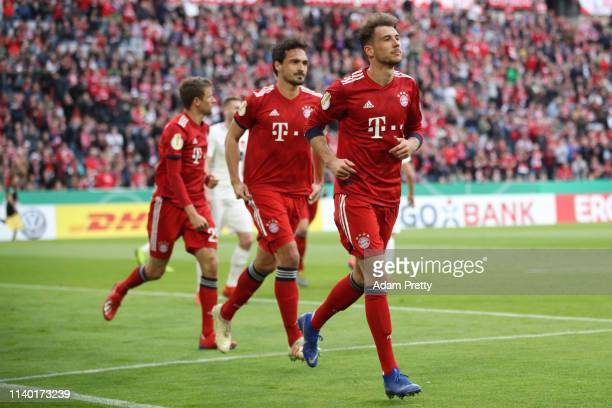 Leon Goretzka of Muenchen celebrates his team's first goal with team mates during the DFB Cup quarterfinal match between Bayern Muenchen and 1 FC...