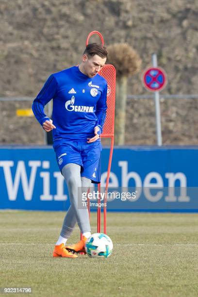 Leon Goretzka of Schalke controls the ball during a training session at the FC Schalke 04 Training center on March 06 2018 in Gelsenkirchen Germany