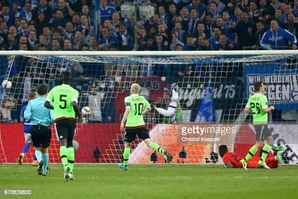 Leon Goretzka of Schalke scores the first goal during the UEFA Europa League quarter final second leg match between FC Schalke 04 and Ajax Amsterdam...