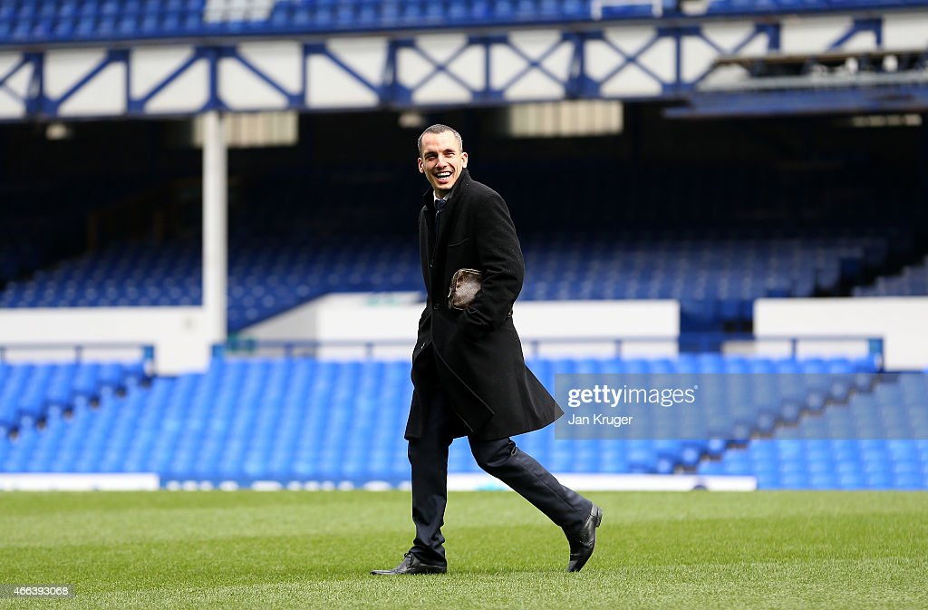 Leon Osman of Everton arrives ahead of the Barclays Premier League match between Everton and Newcastle United at Goodison Park on March 15, 2015 in Liverpool, England.