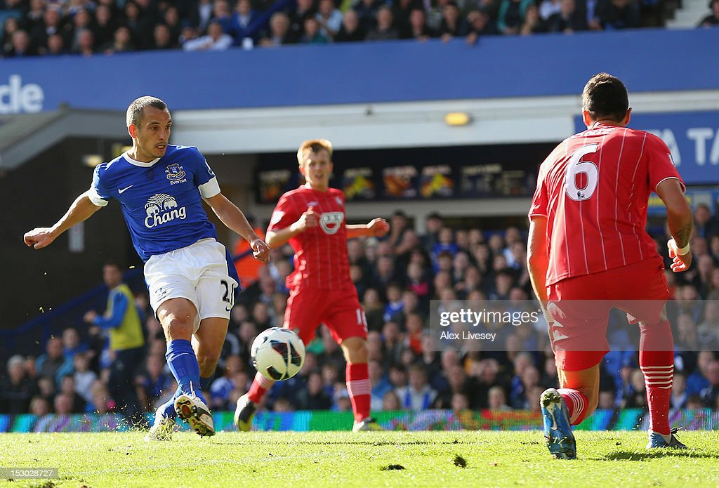 Leon Osman of Everton scores his goal during the Barclays Premier League match between Everton and Southampton at Goodison Park on September 29, 2012 in Liverpool, England.