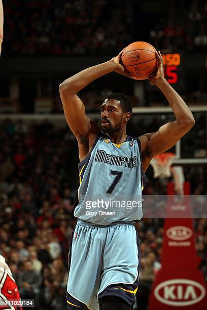 Leon Powe of the Memphis Grizzlies looks to pass against the Chicago Bulls during a game on March 25 2011 at the United Center in Chicago Illinois...