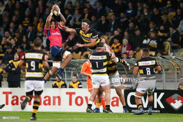 Leon Power of Taranaki and Shannon Frizell of Tasman compete for the ball during the Mitre 10 Cup Semi Final match between Taranaki and Tasman at...