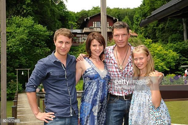 Leon Sokar Gisa Zach Hardy Krüger jun Paulina Schwab ZDFSerie Forsthaus Falkenau 22 Staffel Starnberg Bayern Deutschland Europa Haus Schauspieler...