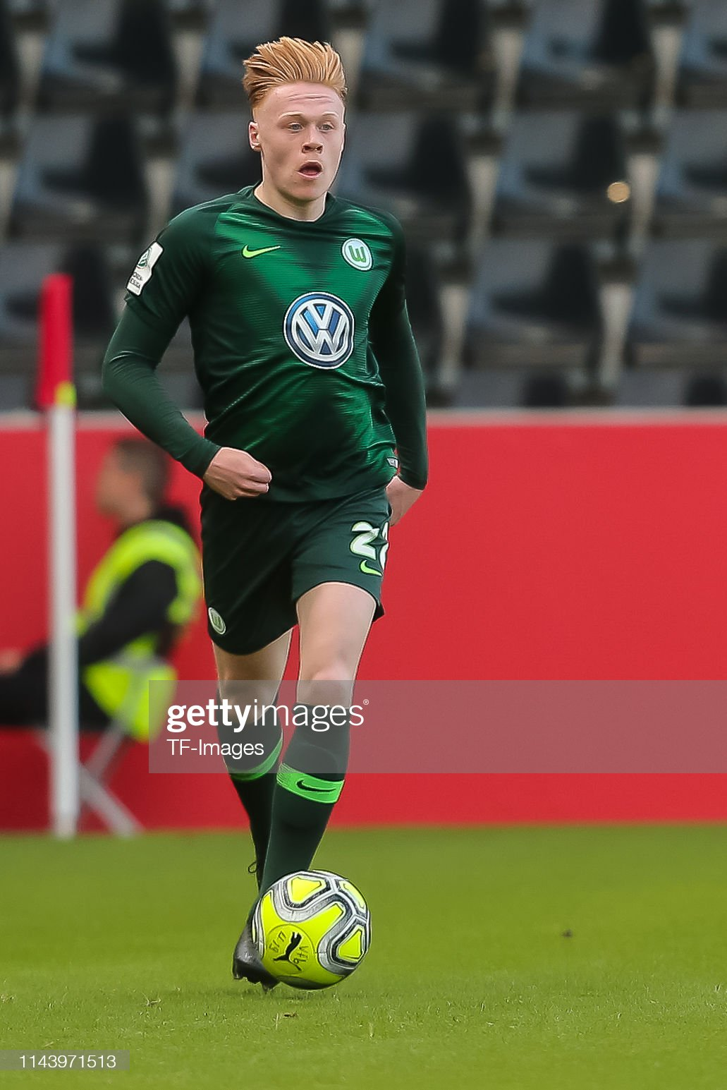 https://media.gettyimages.com/photos/leon-sommer-of-vfl-wolfsburg-u19-controls-the-ball-during-the-german-picture-id1143971513?s=2048x2048