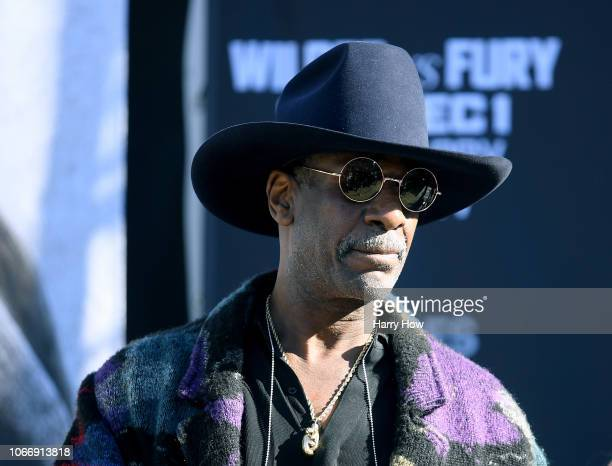 Leon Spinks makes an appearence on stage before the Deontay Wilder v Tyson Fury weighin at Los Angeles Convention Center on November 30 2018 in Los...