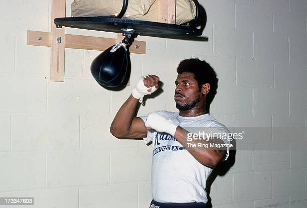 Leon Spinks trains with the speed bag during training session for his upcoming fight against Muhammad Ali in New York