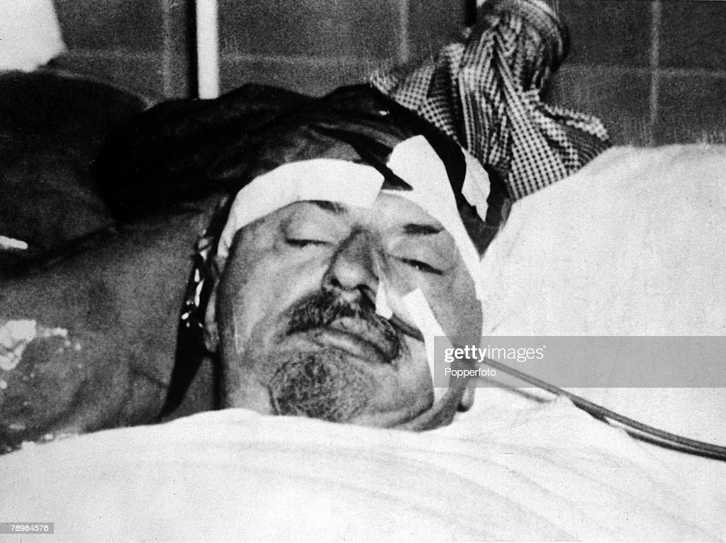 Leon Trotsky lays dying in hospital in Mexico City after the exiled Russian Bolshevik leader was savagely attacked and fatally wounded at his home in Mexico by a man named Frank Jackson who Trotsky had invited in for tea, 20th August 1940. Jackson, who used an ice pick in the attack, turned out to be NKVD agent Ramon Mercader.