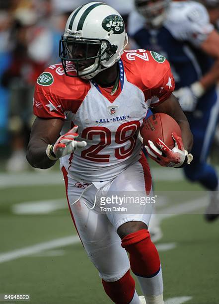 Leon Washington of the New York Jets carries the ball during the NFL Pro Bowl in Aloha Stadium on February 8 2009 in Honolulu Hawaii The NFC defeated...
