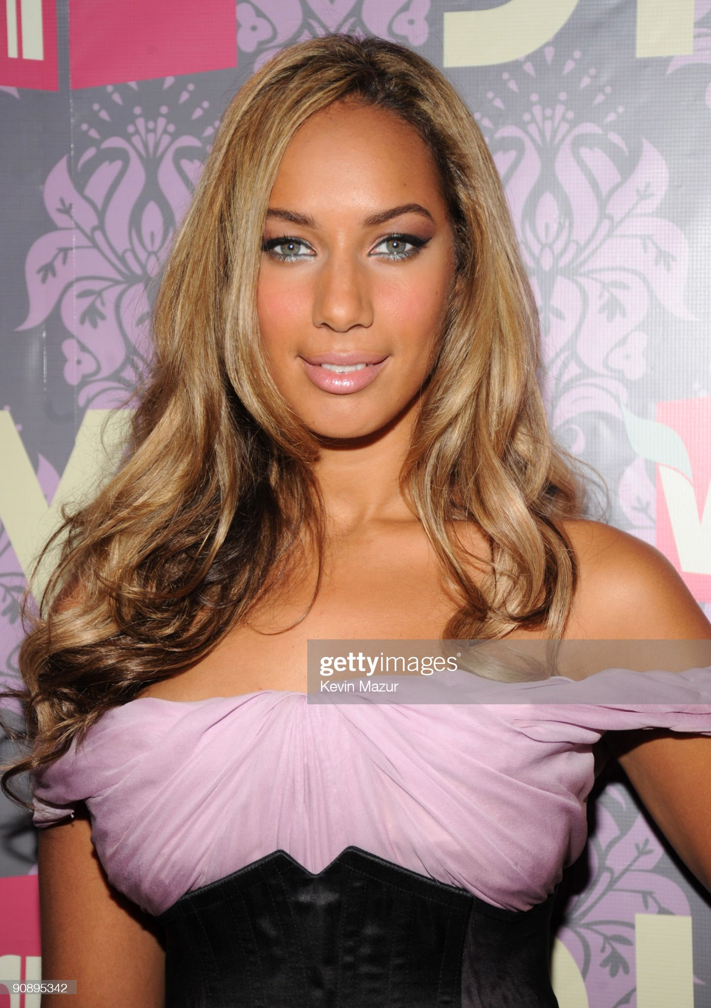 Ojos azules - personas famosas con los ojos de color AZUL Leona-lewis-attends-2009-vh1-divas-at-brooklyn-academy-of-music-on-picture-id90895342?s=2048x2048