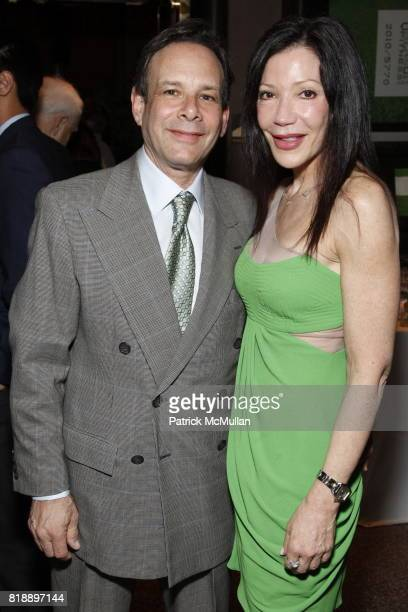 Leonard Canvasser and Jane Scher attend 92nd Street Y Annual Spring Gala starring Barry Manilow at 92nd Street Y on May 17 2010 in New York