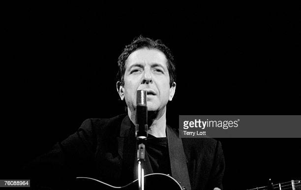 Leonard Cohen live at Hammersmith Apollo London