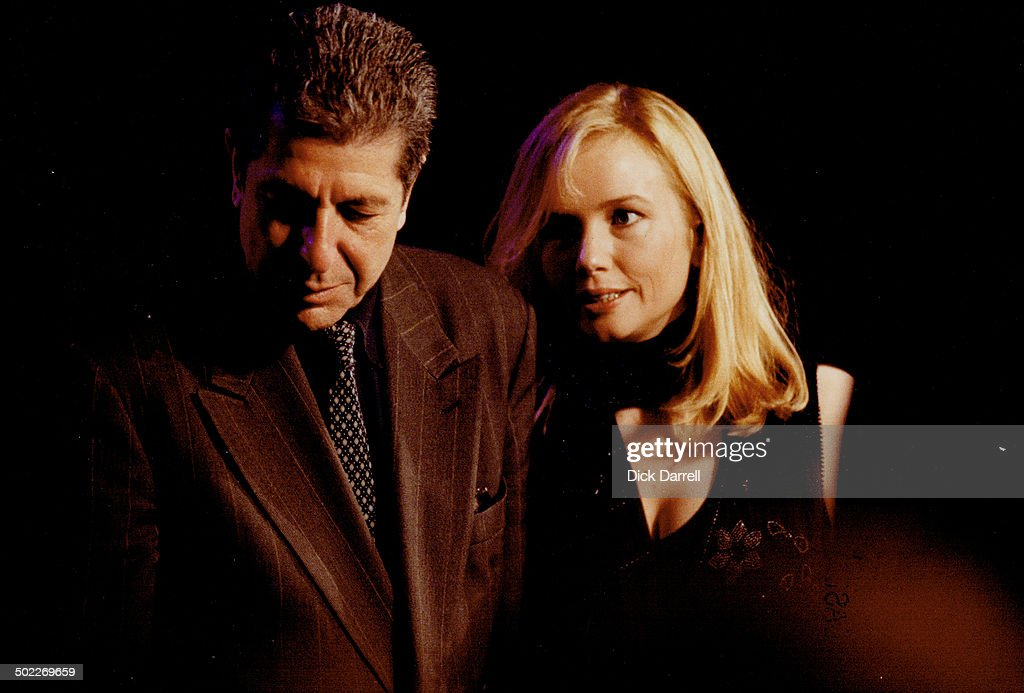 Leonard Cohen with Rebecca de Mornay at Junos : News Photo
