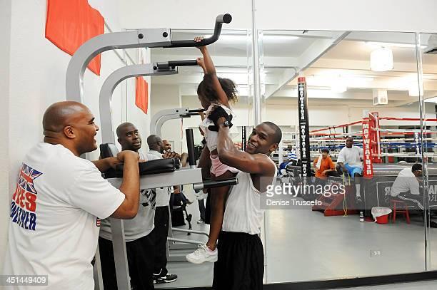 Leonard Ellerbe Jirah Mayweather and boxer Floyd Mayweather trains at Las Vegas Boxing Gym on June 11 2009 in Las Vegas Nevada