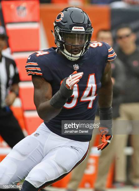 Leonard Floyd of the Chicago Bears rushes against the Tampa Bay Buccaneers at Soldier Field on September 30 2018 in Chicago Illinois The Bears...
