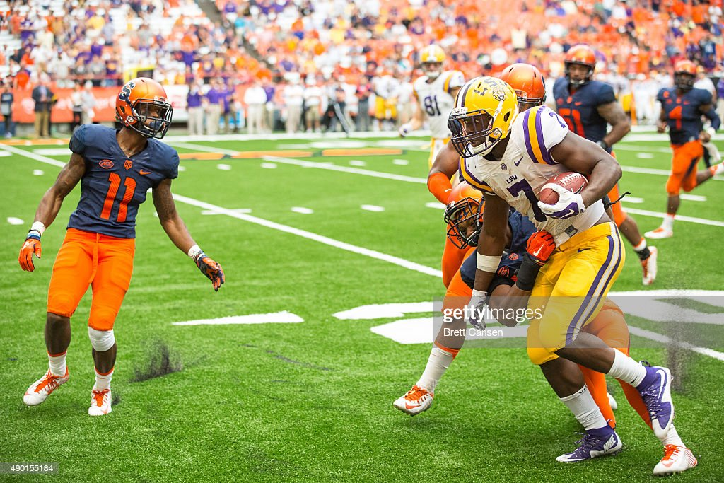 Leonard Fournette #7 of the LSU Tigers carries the ball during the fourth quarter against the Syracuse Orange on September 26, 2015 at The Carrier Dome in Syracuse, New York. LSU defeats Syracuse 34-24.