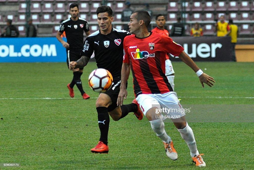 Leonardo Aponte R Of Venezuelas Deportivo Lara Vies For The Ball With Jonathan Menedez