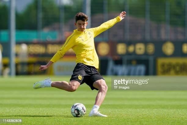 Leonardo Balerdi of Borussia Dortmund controls the ball during a training session at the Borussia Dortmund training center on May 12 2019 in Dortmund...
