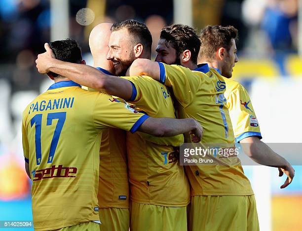 Leonardo Blanchard with his teammates of Frosinone Calcio celebrates after scoring the team's second goal during the Serie A match between Frosinone...