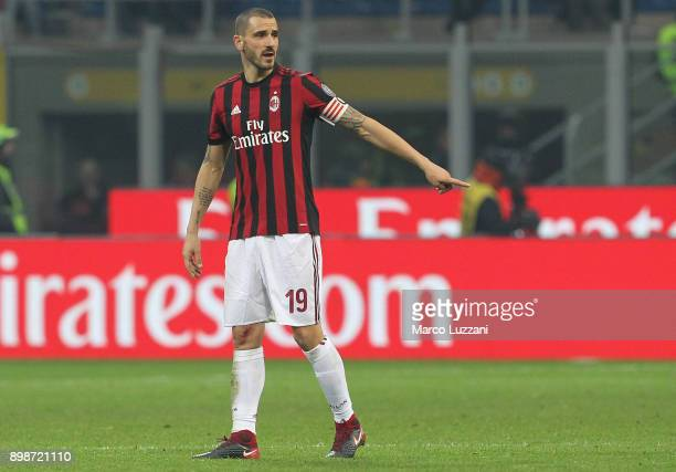 Leonardo Bonucci of AC Milan gestures during the serie A match between AC Milan and Atalanta BC at Stadio Giuseppe Meazza on December 23 2017 in...
