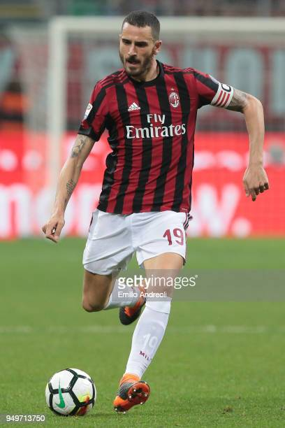 Leonardo Bonucci of AC Milan in action during the serie A match between AC Milan and Benevento Calcio at Stadio Giuseppe Meazza on April 21 2018 in...